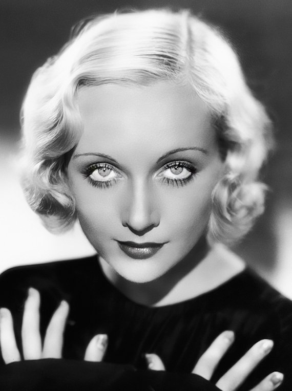 Hairstyles in 1930s fashion - Carole Lombard.