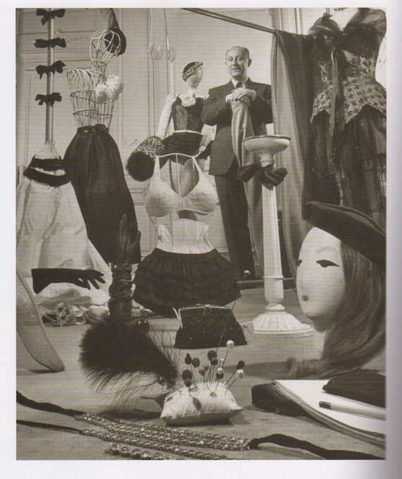 christian-dior-shows-some-of-the-underwear-needed-for-his-new-1940s-fashion-underwear-creations-1947