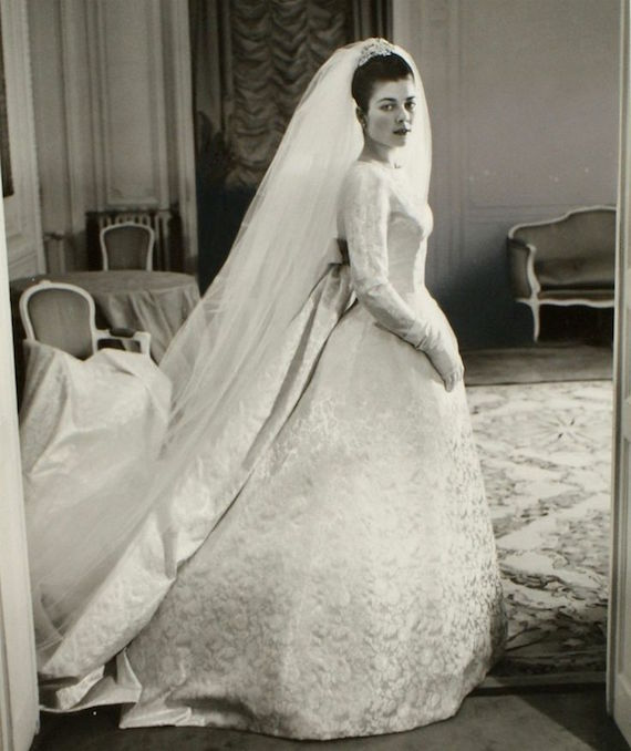 Wedding Dresses For Over 50s Uk: Clothes Styles And History